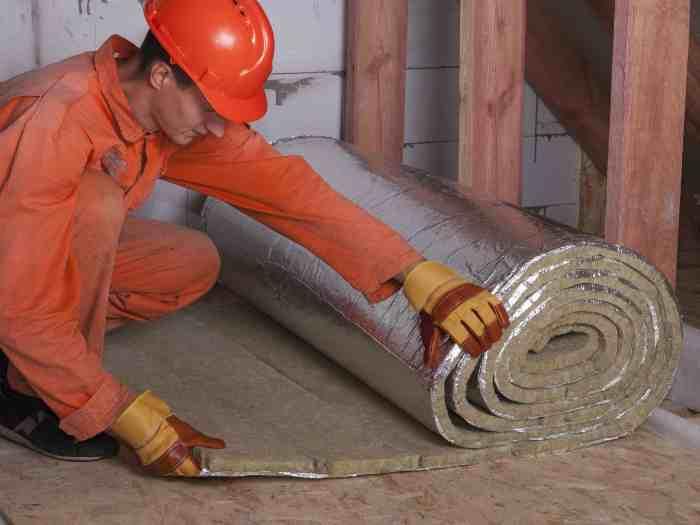 Утепление стен с помощью рулонного фольгированного материала
