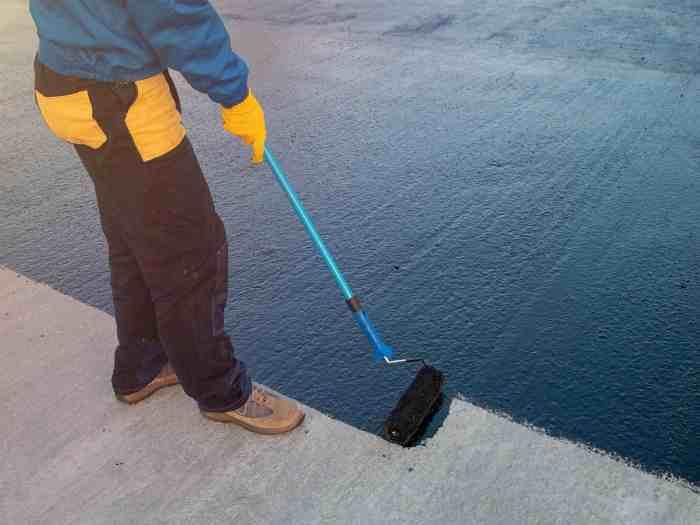 Покрытие резиновой краской бетонного пола