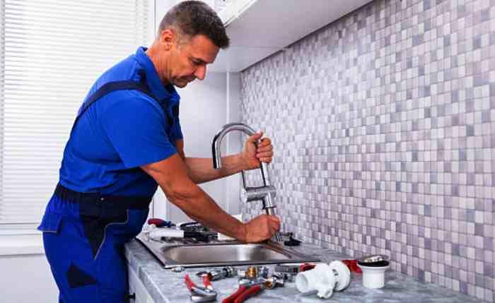 Монтаж смесителя на кухни